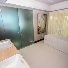 Contemporary Bathroom by studio g ARCHITECTURE