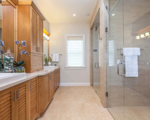 Salles de bains et wc avec un placard porte persienne et - Taille douche a l italienne ...