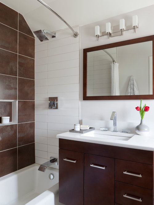 Small modern bathroom houzz for Modern bathroom design small