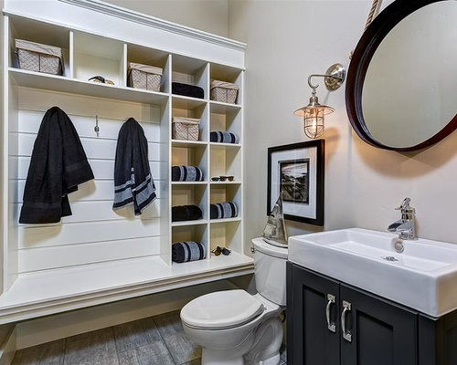 Example Of A Mid Sized Classic 3/4 Bathroom Design In Boise With Shaker