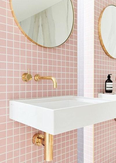 Классический Ванная комната by Finstad's Carpet One