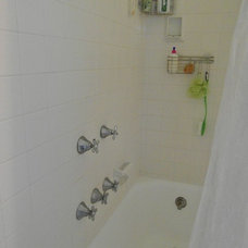 Bathroom by Jeanna Reeves, Broker/Realtor, Northside Realty