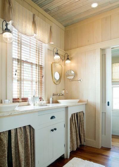 Shabby-chic Style Bathroom by Our Town Plans
