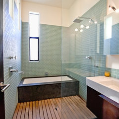 modern bathroom by Barker O'Donoghue Master Builders