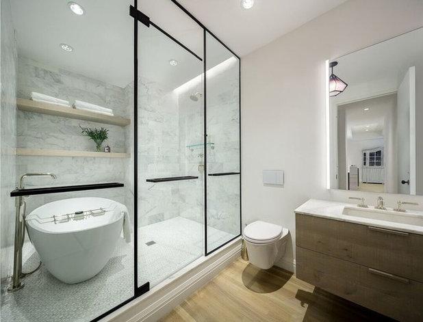 am nager une salle de bains avec baignoire et douche. Black Bedroom Furniture Sets. Home Design Ideas