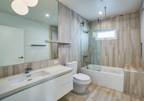 Did You Use Luxury Vinyl Plank Flooring For The Actual Tub Surround