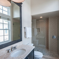 Bathroom by Emerald Coast Real Estate Photography