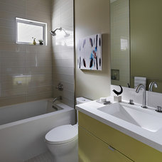 Contemporary Bathroom by EM DESIGN INTERIORS