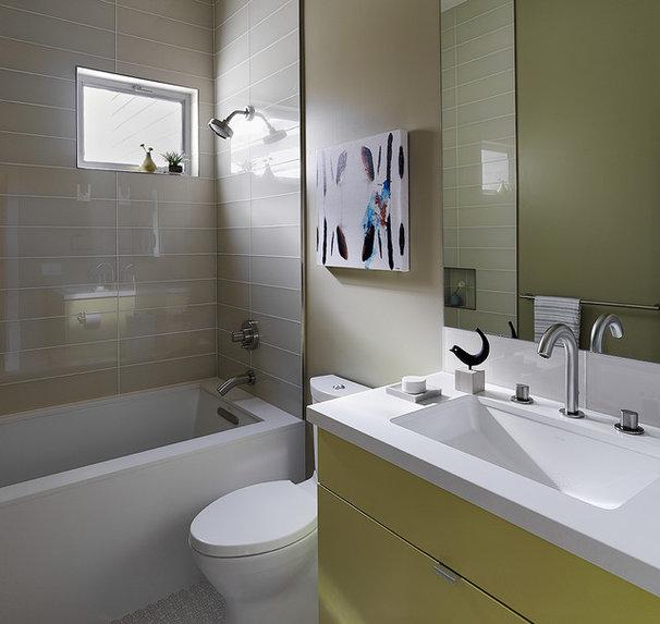 Contemporary Bathroom by EM DESIGN INTERIORS