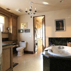 Modern Bathroom by DirectBuy