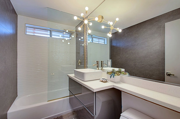 Midcentury Bathroom by Real Estate Judge