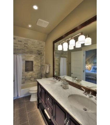 Traditional Bathroom by Dy Lynne Décor, Inc.