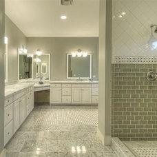 Bathroom 3030 N Manor Drive Phoenix, Arizona, 85014 Remodel