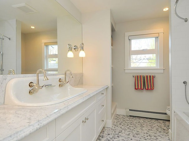 Traditional Bathroom by Kits Construction
