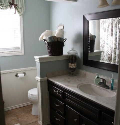 Half Bathroom Ideas With A Red Accent Wall: Toilet Half Wall