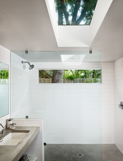contemporain salle de bain by claytonlittle architects - Fenetre Salle De Bain Vis A Vis