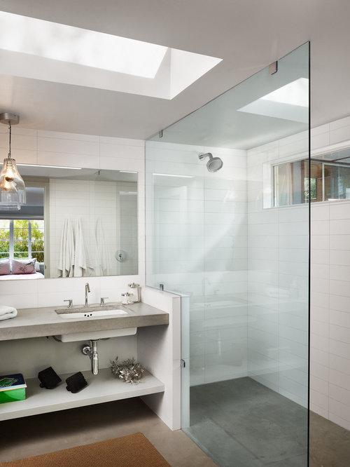 Houzz – Concrete Floor Bathroom