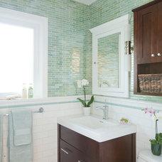 Traditional Bathroom by GEORGE Interior Design