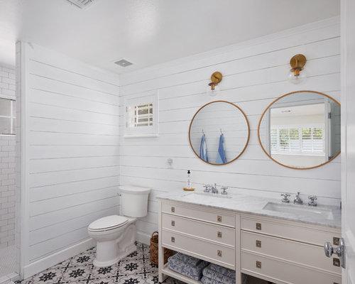 salle de bain campagne avec des portes de placard beiges photos et id es d co de salles de bain. Black Bedroom Furniture Sets. Home Design Ideas