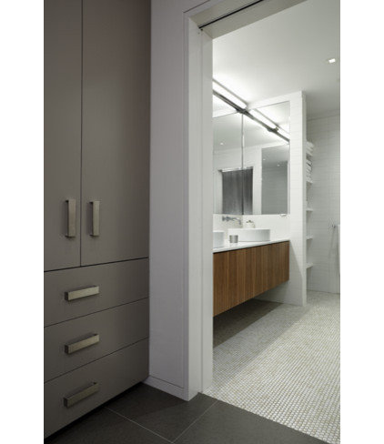 Modern Bathroom by Fiedler Marciano | Architecture