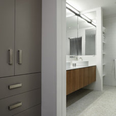Modern Bathroom 39th Street Loft