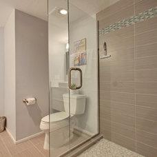 Contemporary Bathroom by Sacha Blanchet Real Estate