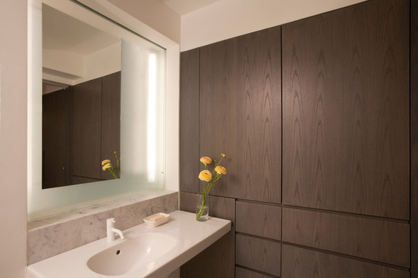 Contemporary Bathroom by Glickman Schlesinger Architects