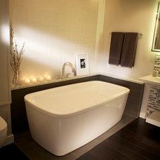 Modern Bathroom by Studio Grey