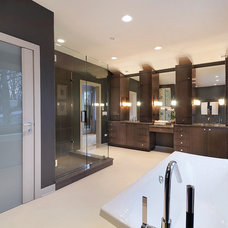 Contemporary Bathroom by Jeremy Lew & Assoc., Inc.