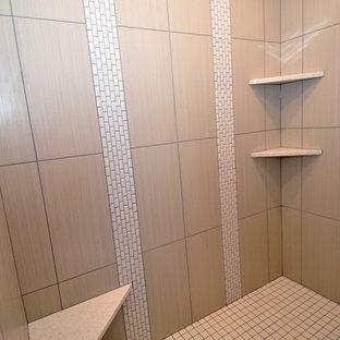 Неиссякаемый источник вдохновения для домашнего уюта: ванная комната среднего размера в стиле современная классика с фасадами в стиле шейкер, фасадами цвета дерева среднего тона, накладной ванной, душем в нише, раздельным унитазом, белой плиткой, керамогранитной плиткой, бежевыми стенами, полом из керамогранита, душевой кабиной, врезной раковиной и столешницей терраццо