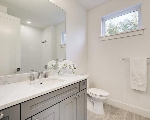 Bagno con pavimento in laminato e piastrelle diamantate - Pavimento laminato in bagno ...