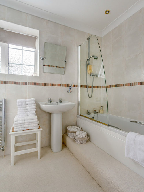 example of a classic bathroom design in devon with a pedestal sink - Bathroom Carpet