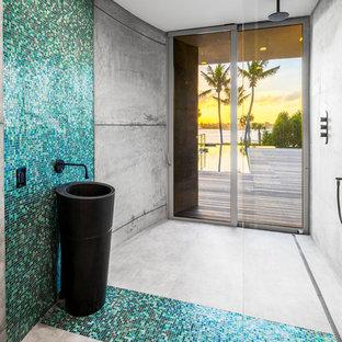 609 South Beach- Pool Bathroom