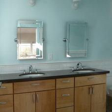 Modern Bathroom by ENDGRAIN Design-Build, Inc.