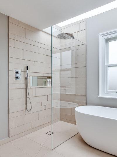 Contemporary Bathroom by JLB Property Developments