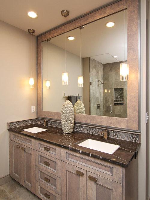 Salle de bain industrielle avec des portes de placard - Porte de placard salle de bain ...