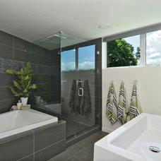 Modern Bathroom by Rhodes Architecture + Light