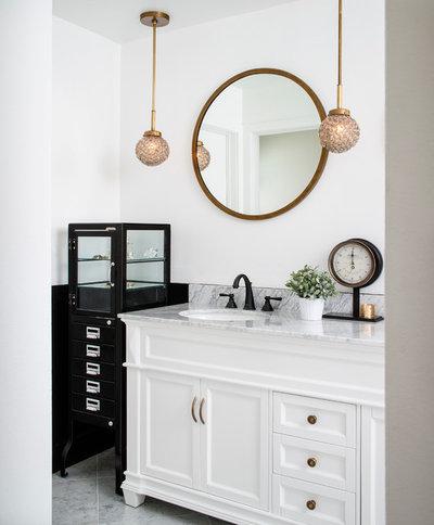 Modern Bathroom by CM Natural Designs