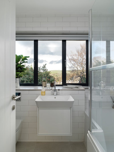 Contemporary Bathroom by fiftypointeight Architecture + Interiors