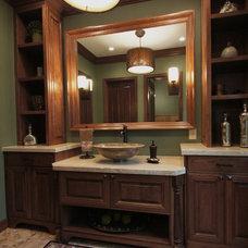 Traditional Bathroom by Da Vinci Remodeling, LLC