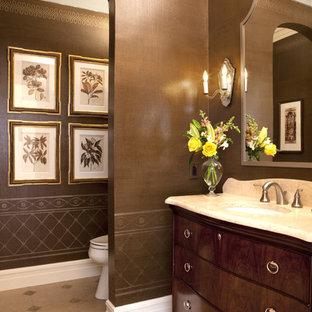 Foto de cuarto de baño clásico con encimera de mármol