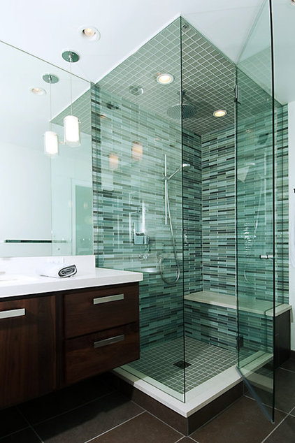 Some Clear Gl Tiles Can Show Moisture Tred Behind Them And Make A Great Shower