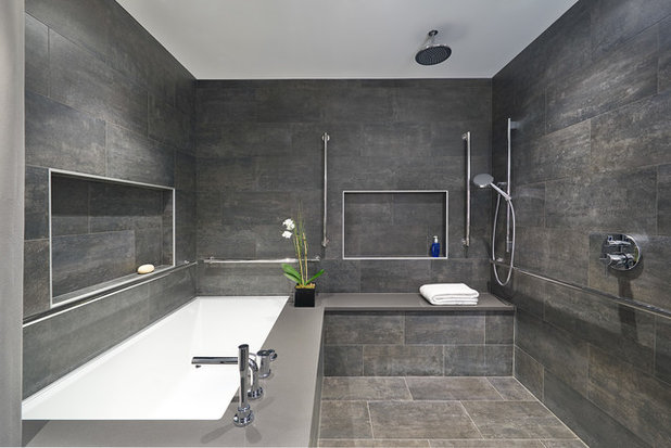 A Barrier Free Master Bathroom With A Luxurious Feel
