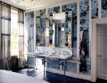 A look inside Kate Moss' Bathroom