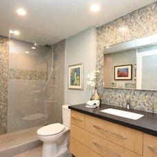 Midcentury Bathroom by BY DESIGN Builders