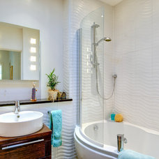 Transitional Bathroom by Colin Cadle Photography