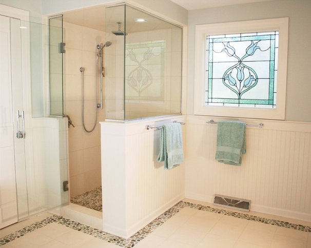 Traditional Bathroom by The Kitchen Studio of Glen Ellyn