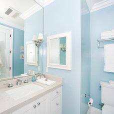 Traditional Bathroom by Globus Builder