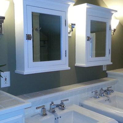 Mid-sized arts and crafts beige tile bathroom photo in Philadelphia