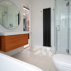 Contemporary Bathroom by Niall Hastie Photography